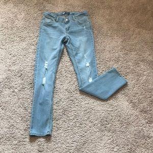 ❤️Levi's Boyfriend Distressed Light Wash Jeans